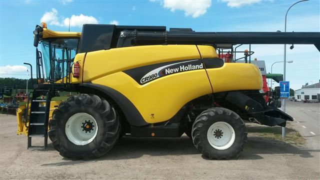 New Holland CR980