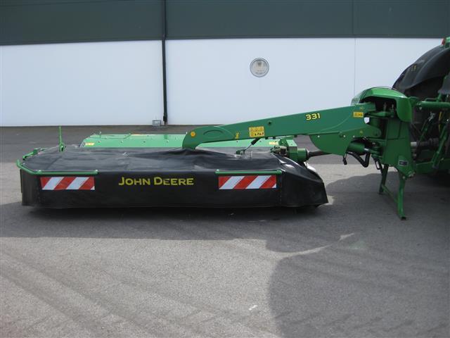 John Deere 331