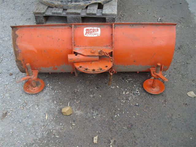 - - - Schaktblad för minitraktor